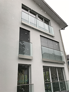 Glasgelaender im Aussenbereich mit Pauli und Sohn cp-1402 - Hier in der Wandansicht fuer bodentiefe Fenster