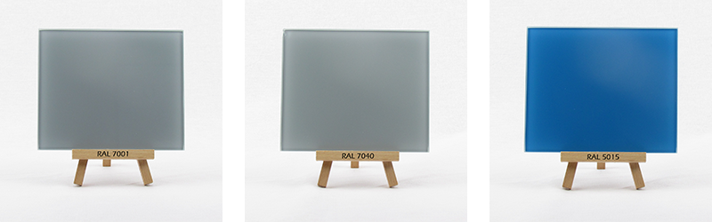 Klarglas rueckseitig lackiert in RAL 7001, 7040 und RAL 5015